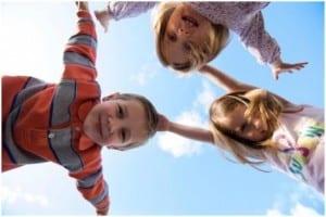 حافظي علي اطفالك من اشعة الشمس الضارة