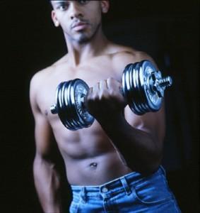 اثناء ممارسة الرياضة الرجال أغزر عرقاً