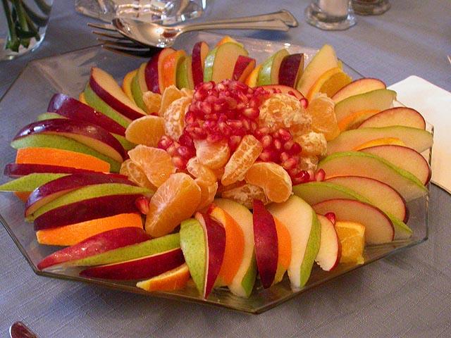 تصورنا لطبق شهي من الفاكهة يجعلنا اكثر رغبة في تناوله