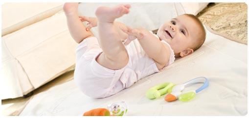 انتظري أولي أسنان طفلك من الشهر السادس وحتي التاسع