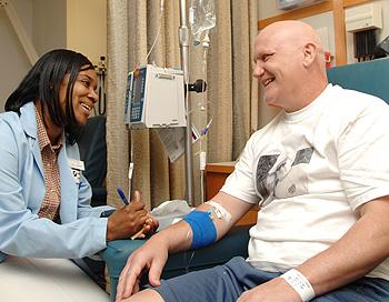 Photo of 10 نصائح لمساعدة مريض السرطان خلال العلاج الكيميائي