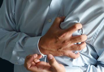 Photo of أسباب وأعراض وعلاج احتشاء عضلة القلب