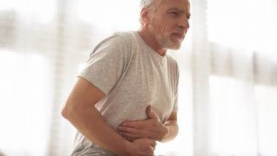 الألم في الحانب الأيمن العلوي للبطن أشيع أعراض أمراض المرارة