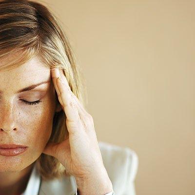 Photo of الصداع النصفي قد يزداد سوءا خلال انقطاع الطمث