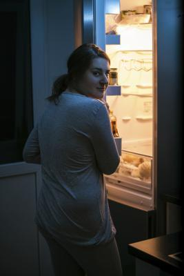 Photo of ما الذي يسبب الجوع منتصف الليل؟