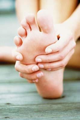 Photo of كيفية زيادة الدورة الدموية في القدمين والكاحلين