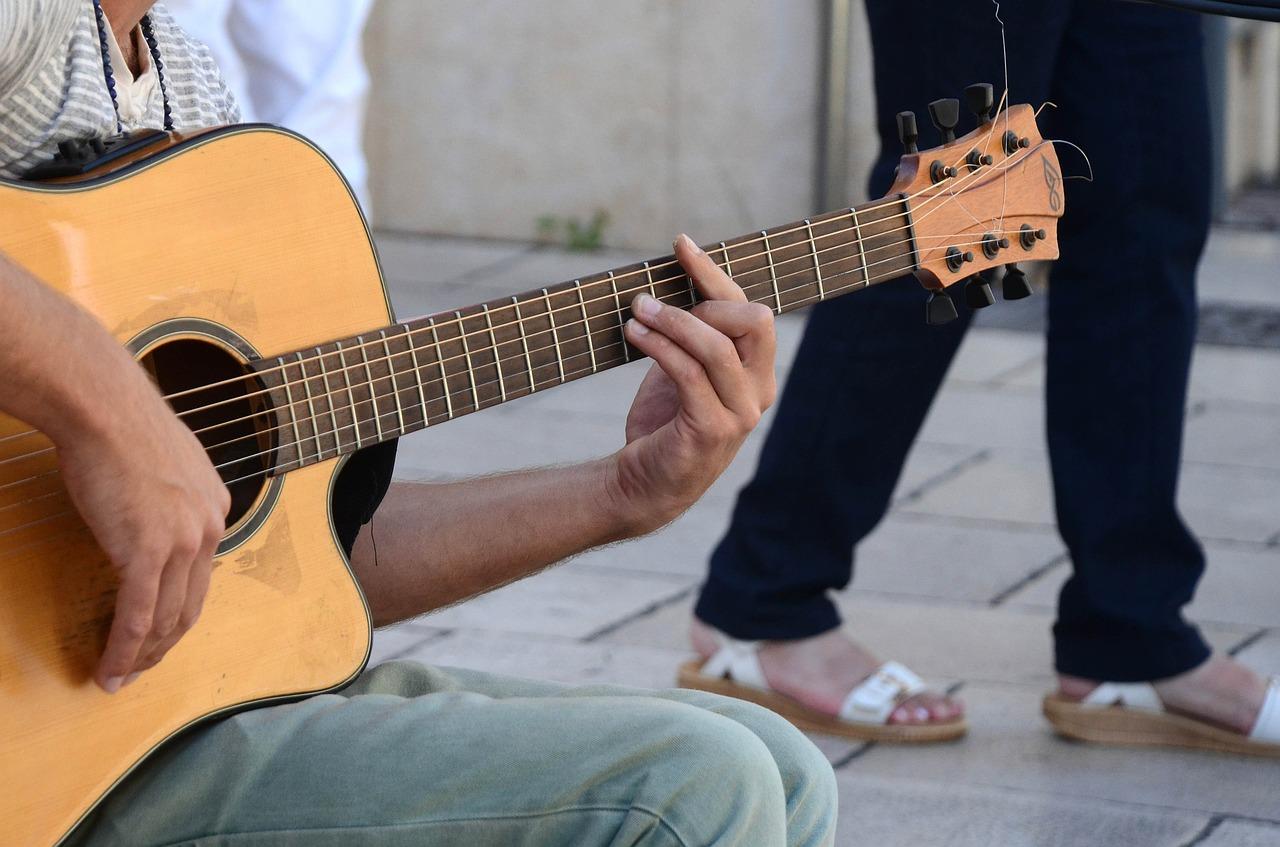 Photo of الموسيقى تخفّف الألم والقلق بعد العمليات الجراحيّة