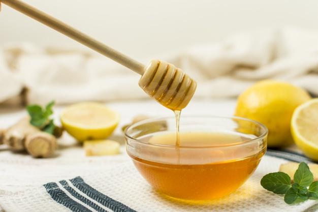 العسل والليمون في علاج الحموضة للحامل طبيعياً