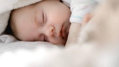 أسباب الثدي المتورم عند الطفل الرضيع