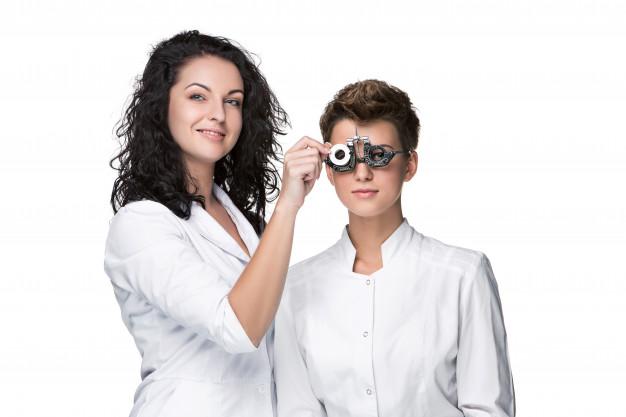 تشخيص ضعف النظر كسبب لعدم التوازن