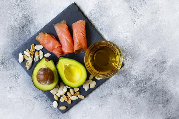 أطعمة ترفع الكوليسترول الجيد