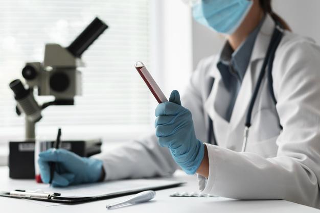 لماذا يطلب الطبيب تحليل البراز