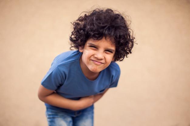 التشنجات المعوية من أعراض الأميبا المعوية عند الأطفال