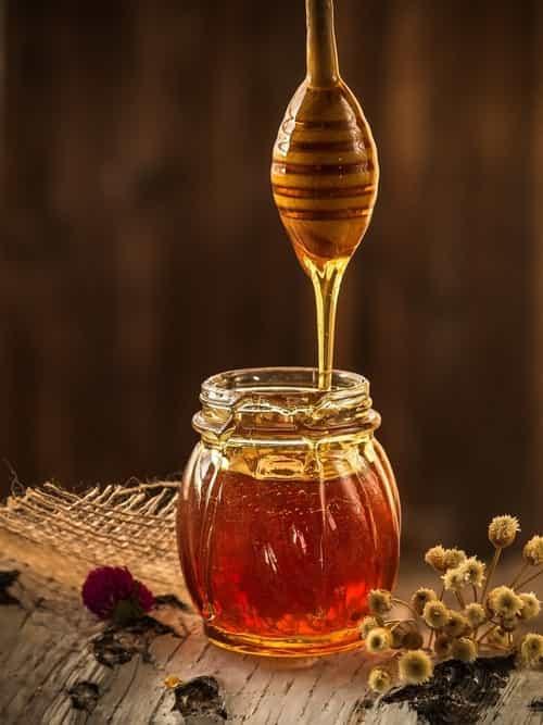 هل يؤثر العسل على الحامل؟! هل العسل مفيد أثناء الحمل أم يسبب ضررًا للجنين؟ طبيب العرب